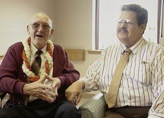1996년 재회한 빈켄(오른쪽)와 미군 병사 중 한명이었던 랄프 블랭크. [사진 fandom.com]