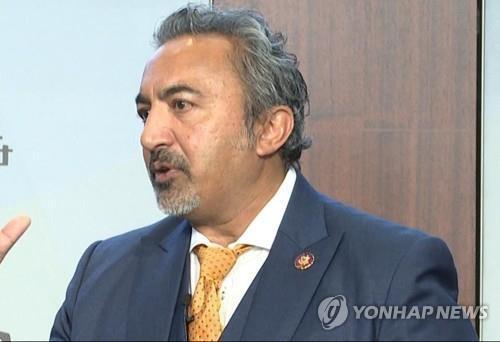 한미동맹 결의안 주도한 아미 베라 의원 [연합뉴스 자료사진]