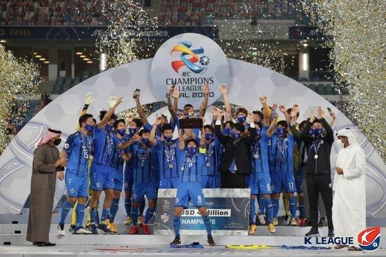 지난 19일 페르세폴리스를 꺾고 2020 AFC 챔피언스리그 우승을 차지한 울산 현대. 한국프로축구연맹