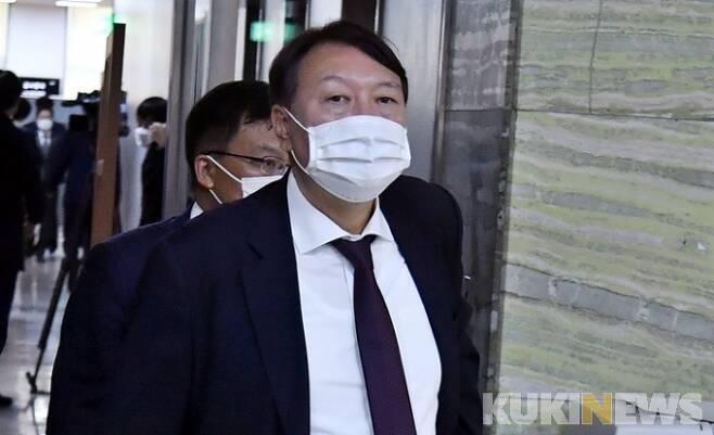 갈등의 소용돌이 중심에 있는 윤석열 검찰총장. 사진=박태현 기자