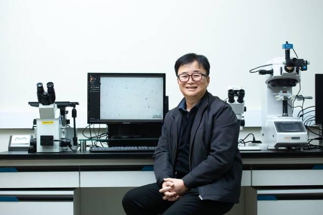 한승전 한국재료연구원 재료공정혁신연구본부 책임연구원은 하이브리드 인터페이스 기반 미래소재연구단에서 인터페이스 연구를 통해 고성능 알루미늄 아연 합금을 개발했다. 남윤중 제공
