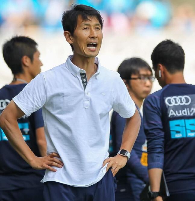 일본 J리그 사간 도스를 이끄는 김명휘 감독. 출처 | 사간 도스 홈페이지 캡처