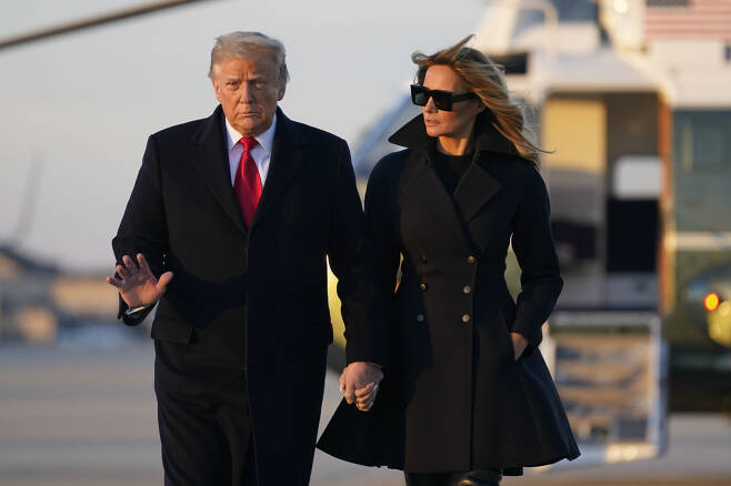 도널드 트럼프(왼쪽) 미국 대통령과 부인 멜라니아 트럼프 여사. [AP]