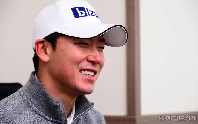 김태훈이 경기도 화성시 동탄의 한 골프클럽에서 인터뷰를 하고 있다. 박해묵 기자