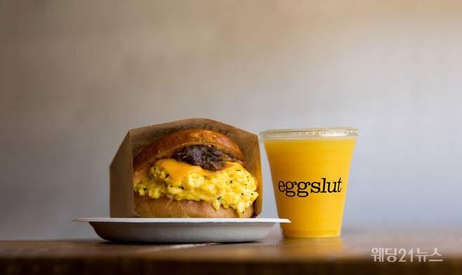 사진 : 글래드 호텔, 하이엔드 에그 샌드위치 브랜드 에그슬럿(eggslut)과 협업한 '글래드x에그슬럿' 패키지 출시