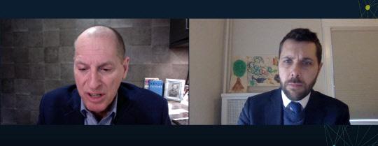 브라이언 디스(오른쪽) 미국 백악관 국제경제위원회(NEC) 차기 위원장과 게리 샤피로 미국소비자기술협회(CTA) CEO가 12일(미국 현지시간) 온라인을 통해 대담을 진행하고 있다. <CES2021 대담 캡처>