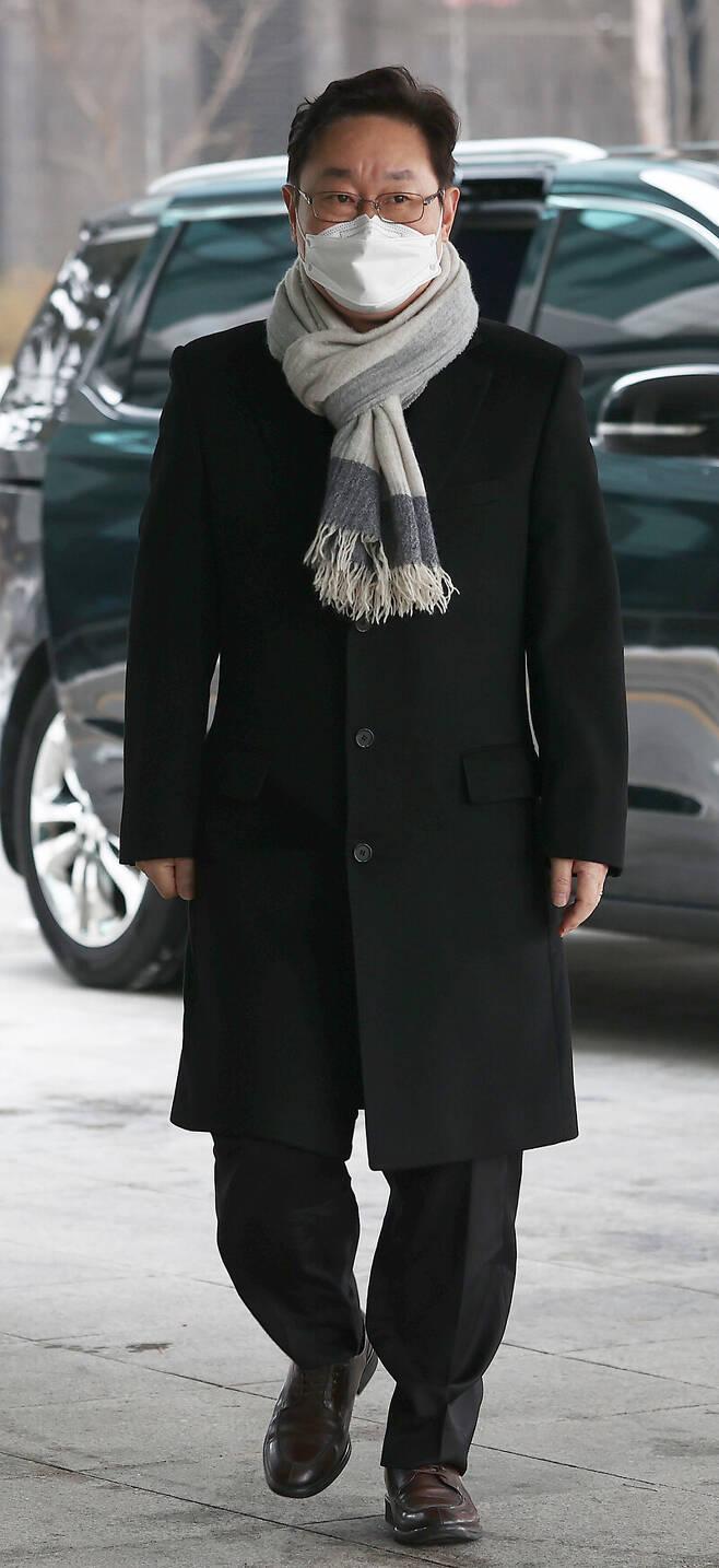 박범계 법무부 장관 후보자가 11일 서초동 서울고검에 마련된 인사청문회 준비 사무실로 출근하고 있다. 연합뉴스