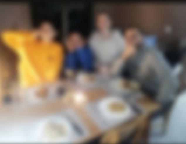 사진 찍은 사람을 포함해 5명이 모인 것으로 추정되는 B선수의 저녁 식사 장면 [인스타그램 캡처. 재판매 및 DB 금지]