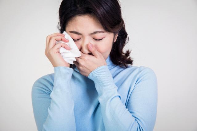 증상만으로 축농증과 코로나19를 명확히 구분하기는 어렵다./클립아트코리아