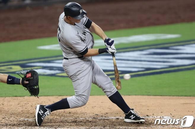 뉴욕 양키스와 6년 총액 9000만달러에 계약한 DJ 르메이휴. © AFP=뉴스1