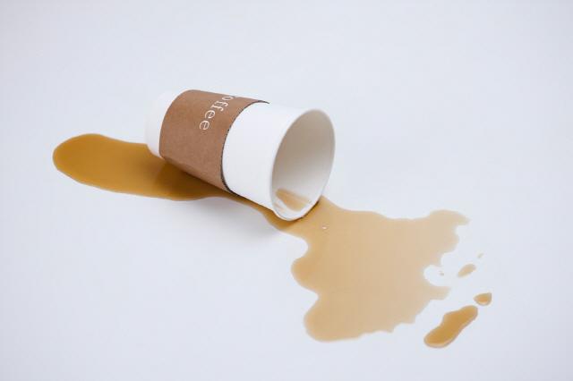 커피 속 카페인은 강력한 두통 유발 인자로 알려져 주의가 필요하다./사진=클립아트코리아