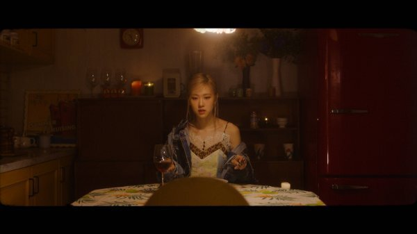 YG Entertainment first made a public key certificate of the Solo song teaser video of Rosé on its official blog (www.yg-life.com) on the 26th, titled ROS - COMING SOON TEASER.It is a public key defined teaser video for only one day after announcing that Rosés Solo song will be a surprise public key certificate at BLACKPINKs LIVESTREAM CONCERT held on January 31st.In the teaser video of about 33 seconds, the feeling of the main vocal of black pink is intensely approaching at the beginning of the tone of Rosé on the dreamy guitar riff.All my love is gone. All my love is gone.Now youre dead and gone , the lyrics that solve the empty and inner sadness of the lyrics add to the vocals and delicate performances of Rosé, capturing the eyes and ears of fans.From the scene where the white feathers fly without power in the dark, to the scene where he is lying crouched in the bathroom, and the rosé disappearing from the burning roses, several metaphors are implied in one cut, raising the viewers immersion.Also at the end of the video, the subtitles BLACKPINK LIVESTREAM CONCERT: THE SHOW and 2021.1.31 SUN 2PM (KST) are added to suggest that it is a solo song of Rosé to be shown on the BLACKPINK stage.YG said, Todays public key defined teaser music is Rosés sub title song.Even the music video of the title song, which is known to have been costly for the past, and the sub title song teaser, showed off the unusual sensual visual beauty, and YG and Rosé gave a glimpse of the traces and confidence of the long-term effort.Meanwhile, BLACKPINKs first live stream concert THE SHOW, which will be held from 2 pm on January 31st in Korea, will be the first public key certificate for the performance of songs on the regular album as well as the Rosé Solo song.YG said, I hope that it will be a good gift for the fans as it is a performance that the members have worked hard for the past two months to decorate high-quality performances with the live band.Dong-A.com reporter Jung Hee-yeon
