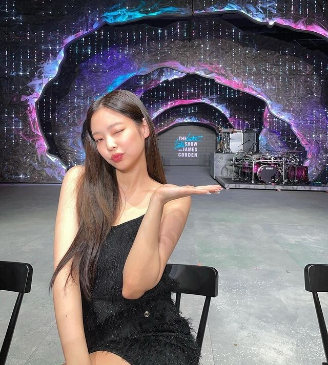 BLACKPINK Jenny Kim shares current status of Doll beautyJenny Kim posted a picture on her Instagram on Friday.In the photo, Jenny Kim is seen standing in front of the camera in a black mini dress, who shot her penny in the back, sporting a slender shoulder line and Doll beauty.In the following photos, the cute wink gave off the charm of the girl group center.Meanwhile, BLACKPINK, which belongs to Jenny Kim, will meet fans with YG PALM STAGE - 2021 BLACKPINK: THE SHOW on the 21st.