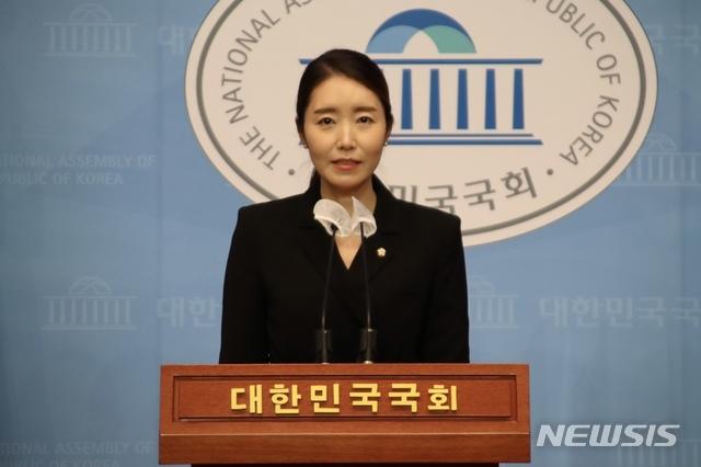 [서울=뉴시스]강선우 더불어민주당 대변인. (사진=강선우 의원실 제공) 2020.12.26