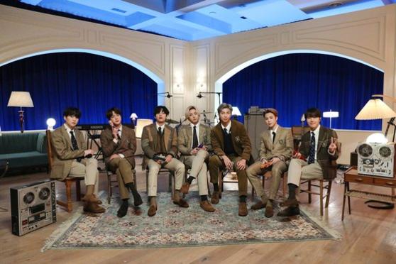 그룹 방탄소년단(BTS)이 한국 가수 최초로 'MTV 언플러그드' 무대에 출연했다./ 빅히트엔터테인먼트