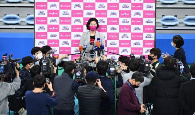 박미희 감독은 이다영의 SNS 활동을 통제하지 못했다. ⓒ 프로배구연맹