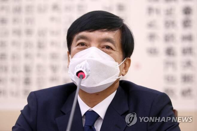 답변하는 이성윤 서울중앙지검장 [연합뉴스 자료사진]