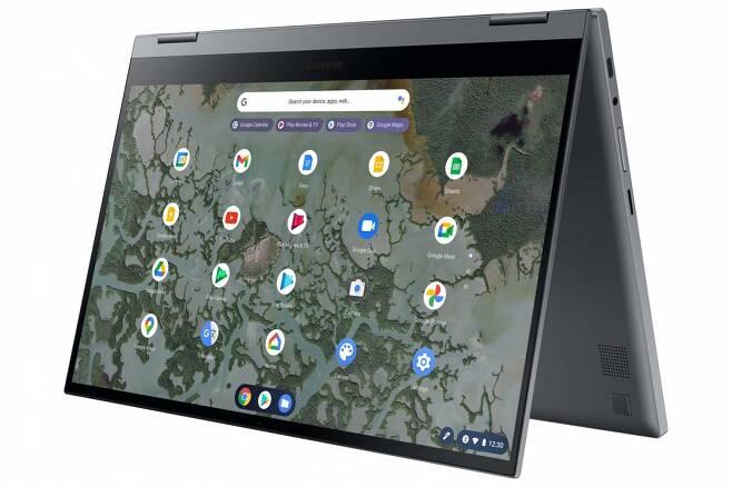 QLED 디스플레이를 탑재하고 3월 미국 시장에 출시된 '삼성 갤럭시 크롬북2' /사진=삼성전자