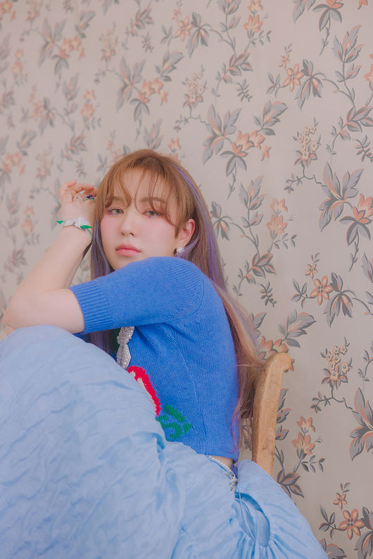 Red Velvet Wendys Teaser Image, which will release its first Solo album Like Water on April 5, is a hot topic.At 0:00 on the 28th, various SNS Red Velvet accounts showed Wendys new Teaser Image with a warm and lovely atmosphere and mood sampler video to meet the album atmosphere, amplifying expectations for the new album.Wendys first Solo album, Like Water, will be released on April 5 at 6 pm on various music sites and will be released on the same day.In addition, this album contains five songs including double title songs Like Water and When This Rain Stops (Wen Dis Lane Stops), and a total of five songs with genuine messages and warm emotions, which is enough to meet Wendys musical sensibility.[Photo] SM EntertainmentCopyright c Koreas Best Sports Entertainment Professional Media (www. osen.co. kr)