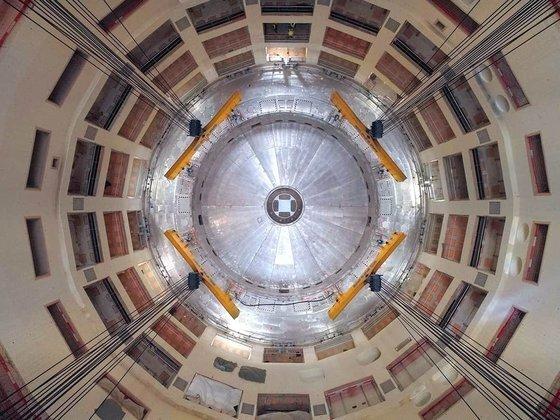 프랑스 남부 카다라슈에 건설 중인 국제 핵융합실험로(ITER)의 격납로 건물 내부 모습. 핵융합발전의 핵심장치인 토카막이 들어갈 자리다. ITER 건설엔 한국을 비롯, 세계 주요 7개국이 참여하고 있다. [사진 ITER국제기구]