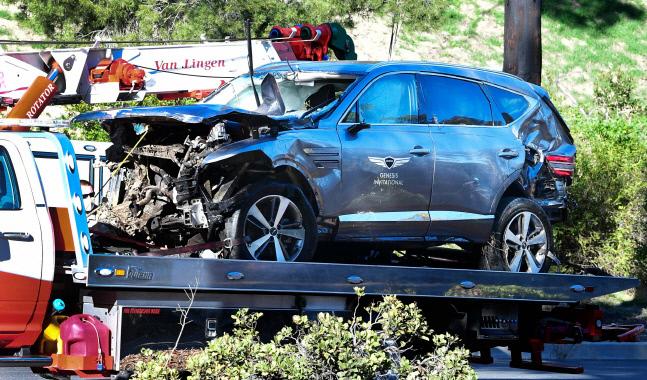 사고난 우즈의 차량. 로스 앤젤레스 | AFP연합뉴스
