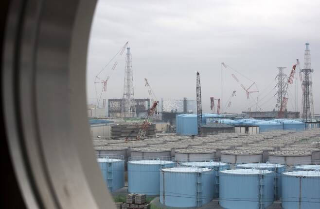 폐로 작업이 진행 중인 일본 후쿠시마 제1원전 내부에 있는 오염수 탱크의 모습. 후쿠시마/연합뉴스 제공