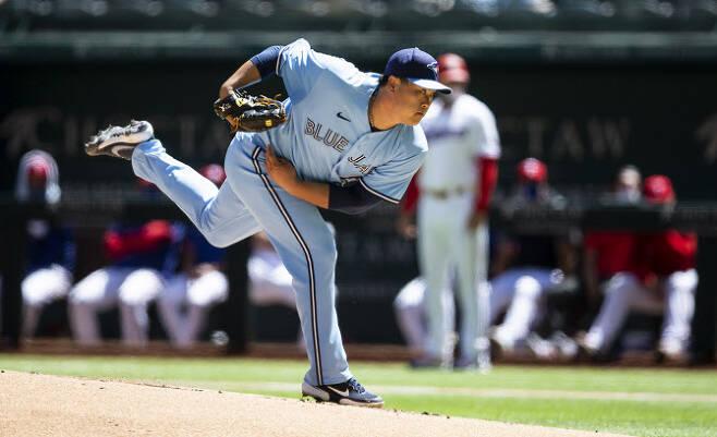 토론토 블루제이스 류현진이 텍사스 레인저스와의 경기에서 역투를 펼치고 있다. 사진=AP PHOTO