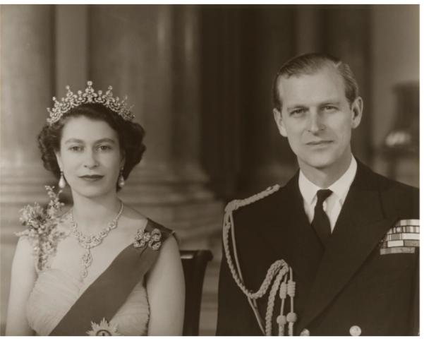 엘리자베스 2세 여왕(왼쪽)과 그의 남편 필립공(에딘버러 공작)의 젊은 시절. 필립공은 9일 99세의 나이에 타계했다./내셔널 포트레이트 갤러리