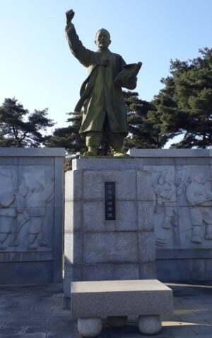 고부 농민 혁명 기념관 내 전봉준 장군 동상, 사진=송화섭 중앙대학교 교수