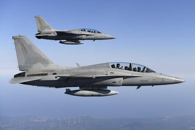 공군 FA-50 경전투기 편대가 훈련을 위해 비행하고 있다. 세계일보 자료사진