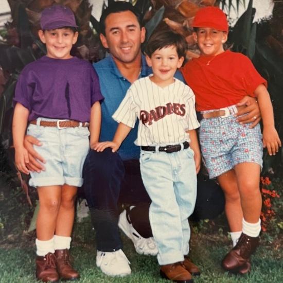 머스그로브(사진에서 유니폼을 입고 있는 아이)는 샌디에이고팬으로 자라났다