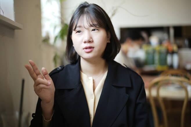 박성민 전 더불어민주당 최고위원이 11일 서울 성북구 안암동의 한 카페에서 <한겨레>와 인터뷰를 하고 있다. 노지원 기자