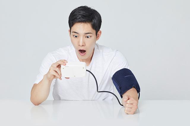 구강 위생을 신경 써서 관리하지 않는 습관은 고혈압을 유발할 수 있다./사진=클립아트코리아
