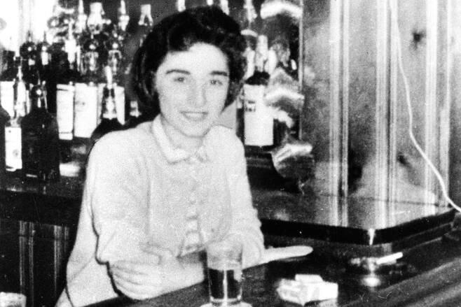1964년 3월13일 미국 뉴욕에서 살해당한 키티 제노비스. 이 사건으로 '방관자 효과'라는 심리학 용어가 생겼다. ⓒ위키백과