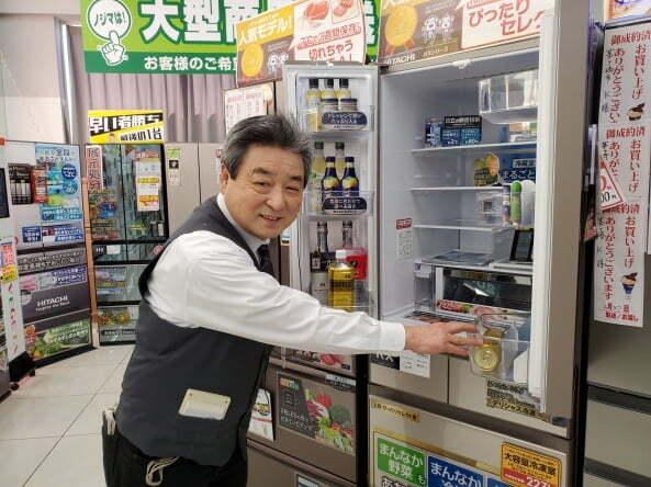 노지마의 사토 다다시 판매왕은 45살까지 파나소닉의 냉장고 제조라인에서 일했다. 덕분에 냉장고는 부품 하나까지 빠삭하다고 자부한다. (후지사와=정영효 특파원)