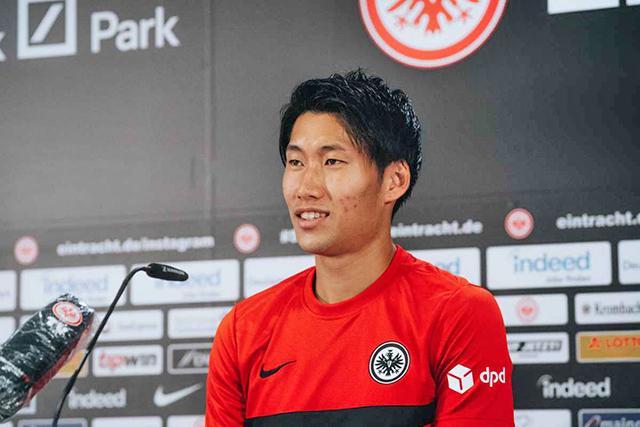 외국에서 뛰는 일본인 축구선수가 57개국 307명으로 아시아 최다라는 통계가 공개됐다. 이번 시즌 독일 분데스리가 도움 3위에 올라있는 가마다 다이치. 사진=아인트라흐트 프랑크푸르트 공식 홈페이지