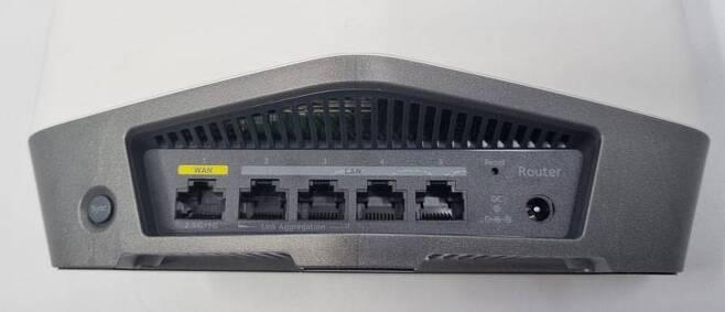 라우터 후면 연결 인터페이스