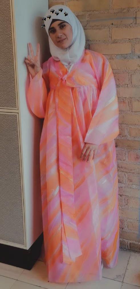 팔레스타인 소녀 미희는 이 한복을 입고 나가 추석을 주제로 발표했다.