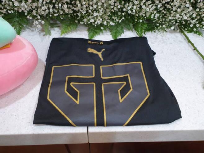 손정민씨 친구들이 빈소에 보내온 물품들. 손씨 아버지가 블로그에 사진을 공개했다.