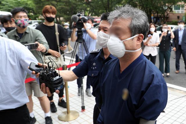 이강세 전 스타모빌리티 대표가 지난해 6월 서울 양천구 서울남부지법에서 열린 구속 전 피의자심문(영장실질심사)에 출석하고 있다. 뉴스1