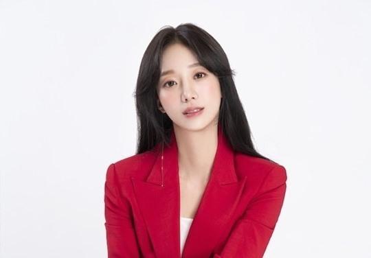박신영 아나운서. 아이오케이컴퍼니