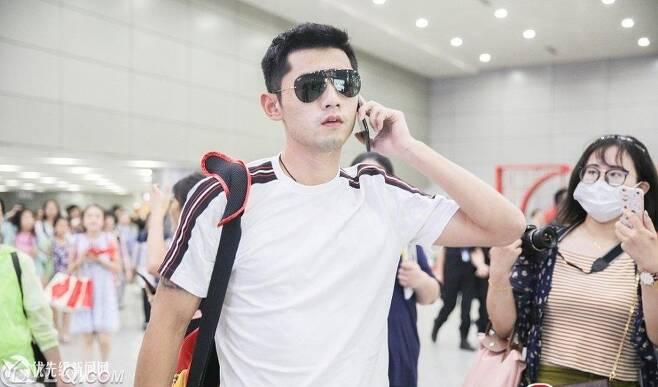 아이돌 못잖은 인기..전 세계챔피언 장지커