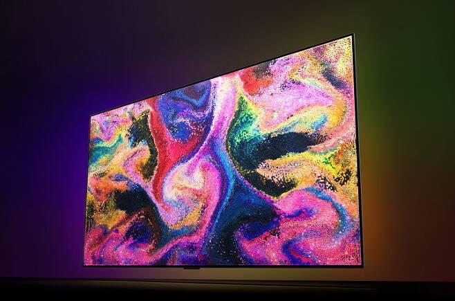 출처: 2021년 TV 시장은 기술력을 앞세운 OLED TV와 가성비의 미니LED TV가 맞붙을 전망이다. 사진은 LG OLED TV./사진=LG전자