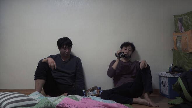 출처: 영화 <작은 빛> ⓒ (주)시네마달
