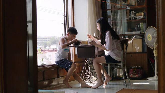출처: 영화 <남매의 여름밤> ⓒ 그린나래미디어(주)