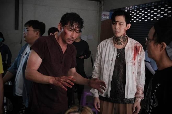 출처: 영화 '다만 악에서 구하소서' 촬영 현장. 사진 CJ엔터테인먼트