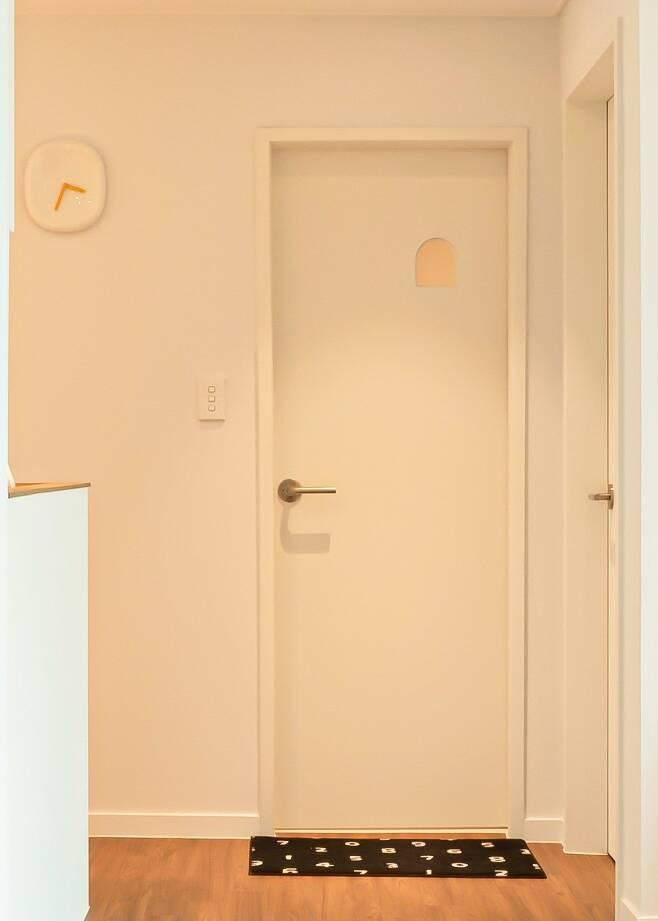 출처: 오늘의집 온라인 집들이 보러가기 (▲ 이미지 클릭)