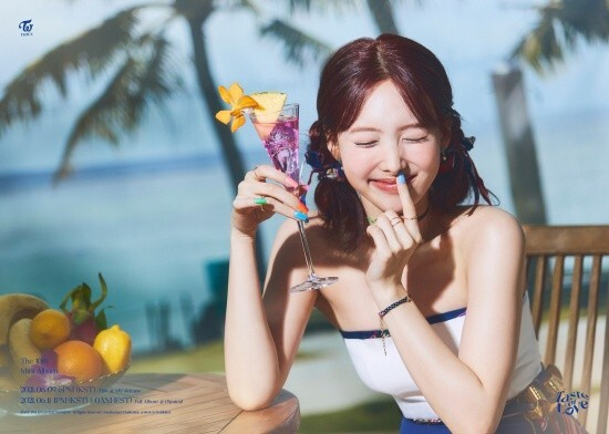 TWICE has entered the comeback countdown. He has been a fan of fans around the world with his personal Teaser.JYP Entertainment opened TWICEs new mini album JJS Media Co., Ltd. of Love on the official SNS channel at midnight on the 1st.JJS Media Co., Ltd. version was presented.I felt a clear, refreshing atmosphere. TWICE caught my eye with fresh juice. Nine-color nine-color charm raised expectations for Gods.Gods has a total of seven songs.The title song Cetyl alcohol - Free, as well as the English version of First Time, Scandal, Conversation, Baby Blue Love, SOS, and Cry for Me.The title song Cetyl alcohol - Free (Alcohol - Free) was written, composed and arranged by JYP head Park Jin-young.Composer Lee Hae-sol participated in the arrangement and created the TWICE New Summer Song.TWICE will officially release its mini album JJS Media Co., Ltd. of Love at 1 pm on the 11th.Prior to this, at 6 pm on the 9th, the title song Cetyl alcohol - Free and music video will be released.Meanwhile, TWICE will appear on NBCs Ellen DeGeneres Show on the 9th (local time) to debut the new song Cetyl alcohol - Free.Copyright c News is Factda News Group