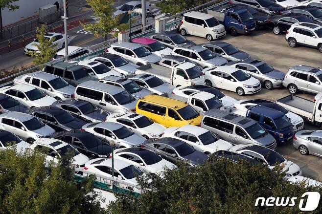서울 의 한 중고차 매매단지 모습.2020.10.12/뉴스1 © News1 이광호 기자