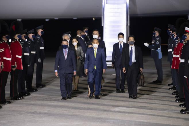스가 요시히데 일본 총리 등의 입국 장면.[사진=플리커 G7 정상회의 계정]